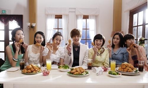 "Kim HyunJoong Chicken 'Hotsun Chicken',"""