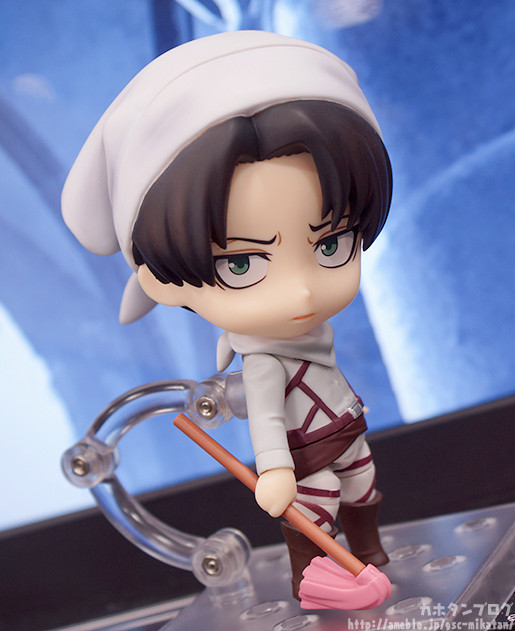 cleaning levi nendoroid
