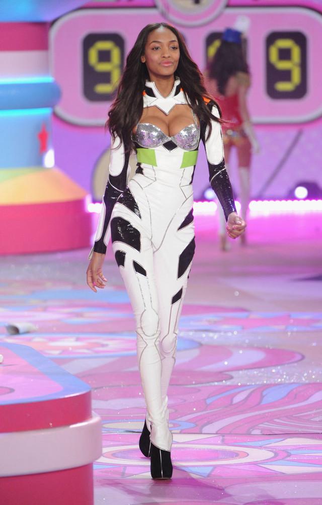 Victoria's Secret plugsuit 1