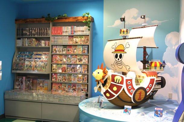 crunchyroll a look inside tokyo 39 s one piece shop. Black Bedroom Furniture Sets. Home Design Ideas