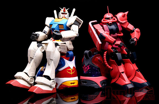 The Gunpla shown above are only for modeling the footwear and they sadly do  not come with the shoes. Visit the source sites for more photos. 83f2fa72fc