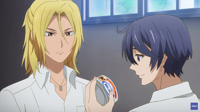 Main character Saku Otonomiya is bemused by a can of cat food in the ACTORS -Songs Connection- TV anime.