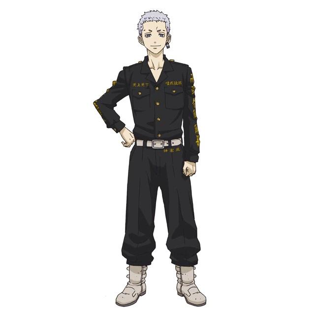 Un escenario de personajes de Takashi Mitsuya, un delincuente con el pelo corto y gris y un pendiente prominente del próximo anime de televisión Tokyo Revengers.