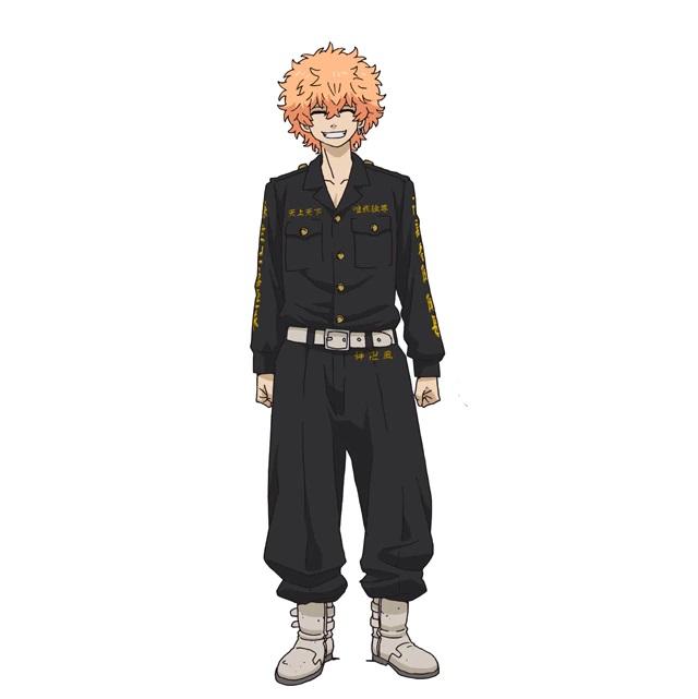 Un escenario de personajes de Nahoya Kawata, un delincuente con cabello naranja rizado y un pendiente doble en el lóbulo de la oreja izquierda del próximo anime de televisión Tokyo Revengers.