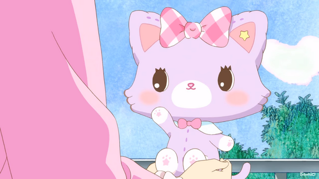 After falling down from the sky, Mew introduces herself to Yume Hinata in the upcoming Mewkle Dreamy TV anime.