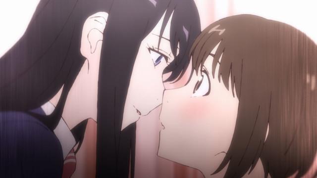 Haruka Murakami leans in to kiss Misuzu Moritani in the Fragtime OAV.