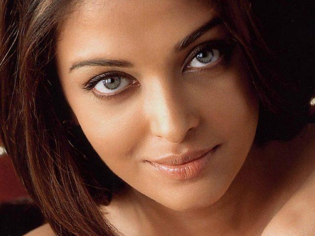 Sexy indian babes photos