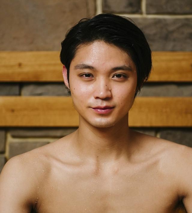 Hayato Isomura is handsome and steamy as Ikemen Mushi Otoko.