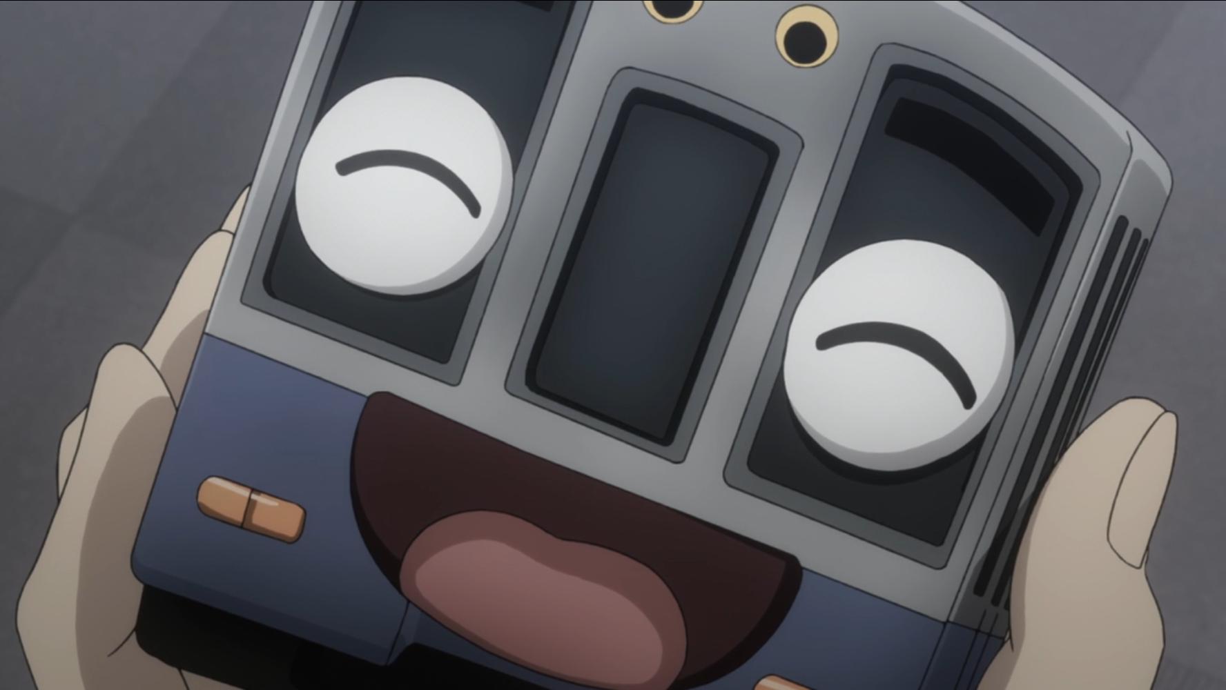 Mikage reflexiona sobre un tren de juguete con una cara feliz y sonriente en una escena del anime televisivo The Lost Village de 2016.
