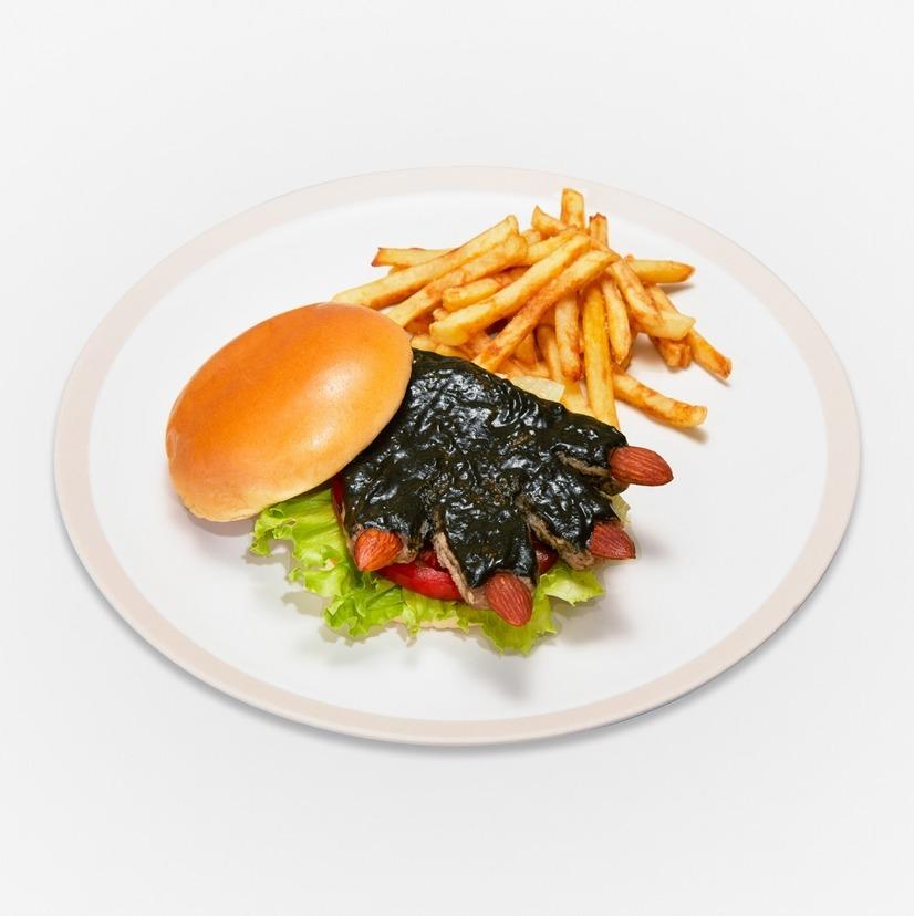 Hamburguesa de pies Kaiju con salsa especial