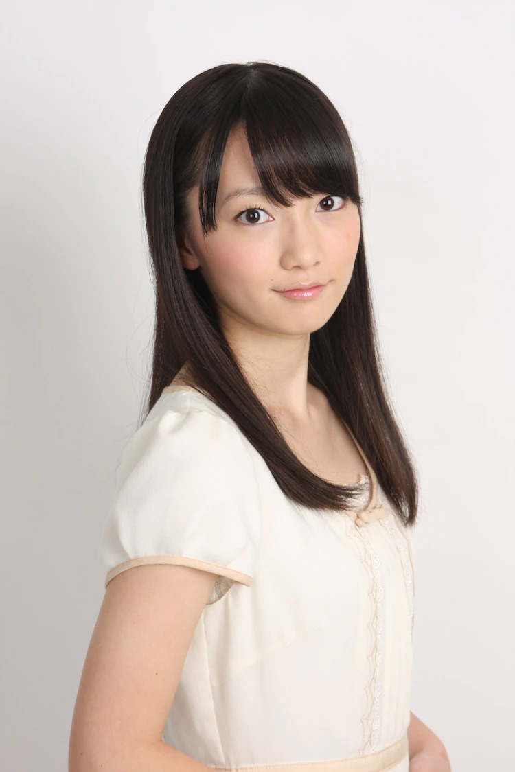 Akane Fujita (Sagiri Izumi em Eromanga Sensei) como Midori Shida
