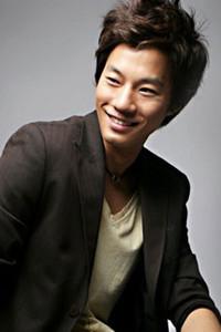 Chun Hee Lee