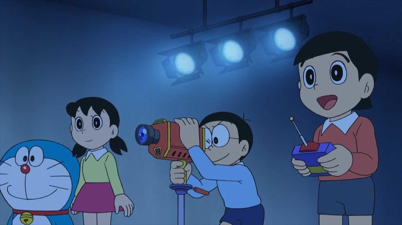 Nobita usa la cámara Easy Tokusatsu