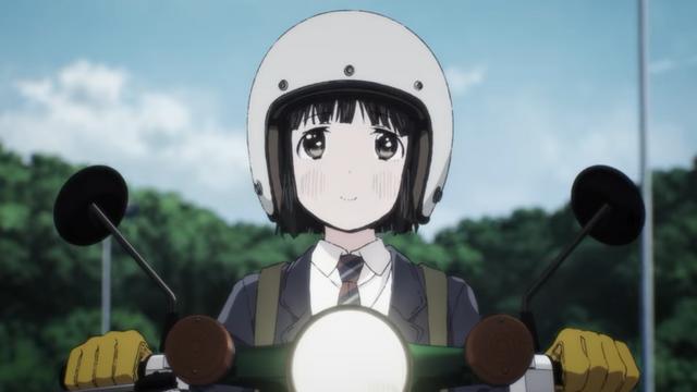 Koguma, una chica de secundaria, disfruta de un agradable paseo en su mini motocicleta Honda Super Cub en una escena del próximo anime de televisión Super Cub.