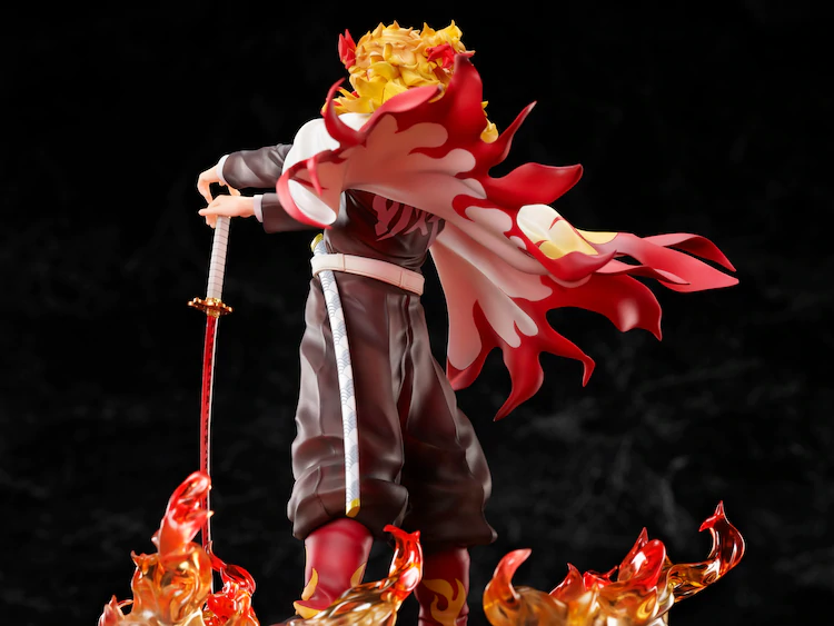 Demon Slayer Rengoku figure: Side