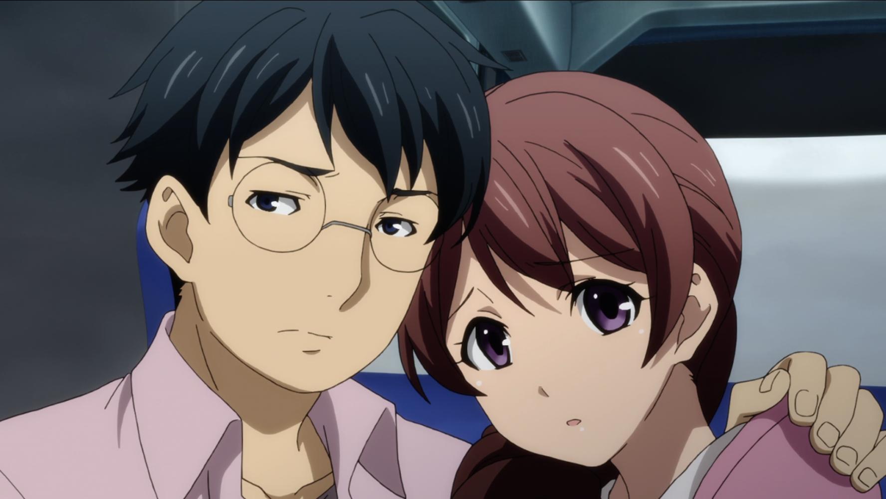 Manbe y Pii-tan se apiñan con nerviosa anticipación en una escena del anime televisivo The Lost Village de 2016.