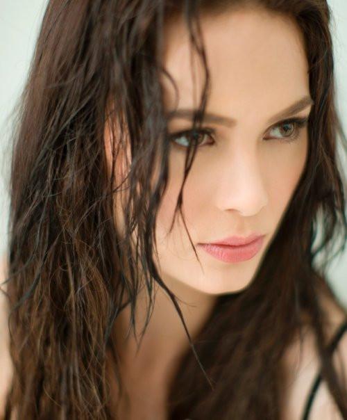 Beautiful Filipina Actress.